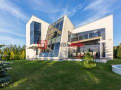 居外网在售爱沙尼亚7卧1卫的房产总占地2553平方米