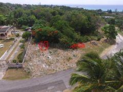 居外网在售牙买加蒙特哥贝的房产总占地2023平方米USD 95,000