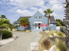 居外网在售库拉索9卧4卫的房产总占地1860平方米EUR 2,500,000