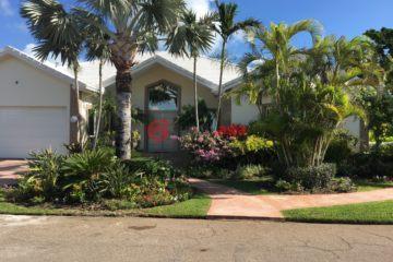 居外网在售巴哈马5卧6卫特别设计建筑的房产总占地1301平方米USD 2,900,000
