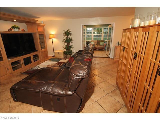 美国佛罗里达州迈尔斯堡的房产,1658 n hermitage rd,编号21640899